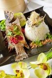 Barramundi, die met de geurige rijst van de Jasmijn wordt gediend Royalty-vrije Stock Fotografie