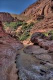 Barranco Barranco-bermellón del río del desierto-Paria de los acantilados de AZ-UT-Paria Imágenes de archivo libres de regalías