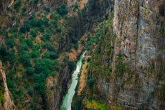 Barranco Bilgelik Vadisi de Tazi en Manavgat, Antalya, Turqu?a Paisaje que sorprende, acantilado y valle imagen de archivo