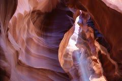 Barranco del antílope de la cueva con el rayo de sol imágenes de archivo libres de regalías