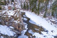 Barranco del río en la opinión aérea del invierno Imagen de archivo libre de regalías