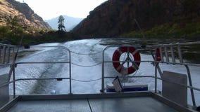 Barranco el río Snake Idaho de los infiernos de la estela de la velocidad del barco del jet almacen de metraje de vídeo