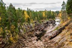 Barranco rocoso del otoño Fotos de archivo libres de regalías