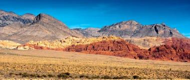 Barranco rojo de la roca apenas fuera de Las Vegas Imagen de archivo