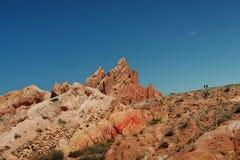 Barranco rojo en las montañas fotografía de archivo libre de regalías
