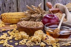 Barras da proteína do cereal Fotos de Stock Royalty Free