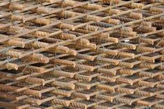 Barras de aço deformadas laminadas a alta temperatura ou barra de aço do reforço Fotografia de Stock Royalty Free