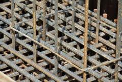 Barras de acero del refuerzo Barras o barras de acero usadas para reforzar el concreto Fotografía de archivo