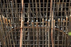 Barras de acero en el emplazamiento de la obra fotografía de archivo libre de regalías