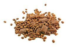 Barras de chocolate y granos de café Fotografía de archivo libre de regalías