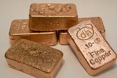 Barras de cobre puras del lingote de 10 onzas Foto de archivo