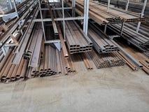 Barras de ferro em uma loja imagens de stock royalty free