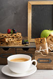 Barras de Granola para que o café da manhã vá imagens de stock royalty free