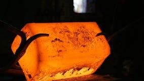 Barras de hierro calientes de Hammer Forges Very del herrero del primer metrajes