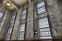 Barras de janela da prisão de Alcatraz foto de stock