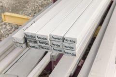 Barras de metal de aço na pilha imagens de stock royalty free