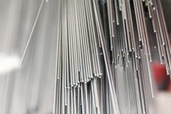 Barras de metal de acero en pila Imagen de archivo