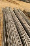 Barras de metal de la construcción que ponen en sitio Imagen de archivo