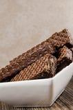Barras de noz chocolate, bacia imagens de stock royalty free