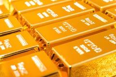 Barras de ouro brilhantes imagem de stock