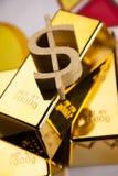 Barras de ouro! Dinheiro e financeiro Fotografia de Stock Royalty Free