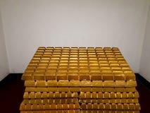 Barras de ouro e conceito financeiro fotos de stock
