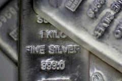 Barras de plata de Bilion Fotos de archivo libres de regalías