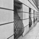 Barras de ventana adornadas en el edificio Imágenes de archivo libres de regalías