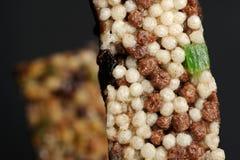 Barras del cereal con arroz soplado Imagen de archivo libre de regalías