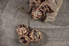 Barras del cereal, semillas de girasol, frágil de cacahuete imagen de archivo libre de regalías