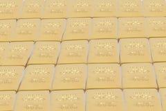 Barras empilhadas do lingote de ouro Pena, eyeglasses e gráficos foto de stock royalty free
