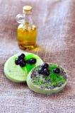 Barras verdes olivas hechas a mano del jabón Imágenes de archivo libres de regalías