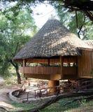 Barre africaine dans une station de vacances de safari image libre de droits