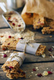 Barre casalinghe della proteina del Granola Fotografia Stock