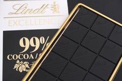 Barre de chocolat du cacao 99% d'excellence de Lindt Images stock