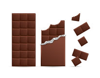 Barre de chocolat réaliste mordue avec des morceaux Vecteur Photo libre de droits