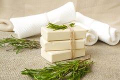 Barre del sapone con l'olio essenziale dei rosmarini Fotografia Stock Libera da Diritti