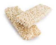 Barre della quinoa isolate su bianco Fotografie Stock