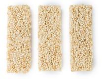 Barre della quinoa isolate su bianco Fotografia Stock Libera da Diritti