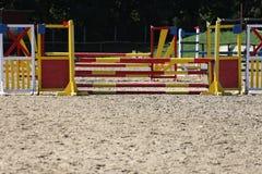Barre di ostacoli di equitazione per l'evento di salto del cavallo Fotografia Stock Libera da Diritti