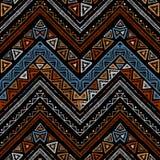 Barre le modèle sans couture tribal lumineux avec le zigzag Photographie stock libre de droits