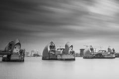 Barreira Londres de Tamisa imagem de stock