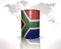 Barrel avec le drapeau de l'Afrique du Sud sur la carte du monde Images libres de droits