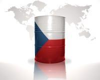 barrel avec le drapeau tchèque sur la carte du monde Photographie stock libre de droits