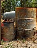 barrels gammalt rostigt Arkivfoton