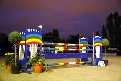 Barrera de salto de la demostración colorida para los jinetes Fotos de archivo libres de regalías