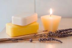 Barres colorées de savon avec la décoration Images libres de droits