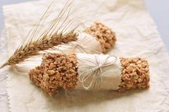 Barres de Muesli avec l'oreille de blé Photos stock
