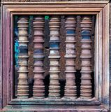barres en pierre d'une fenêtre de culture de Khmer dans Angkor Vat, Cambodge image libre de droits