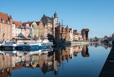 Barres et restaurants de façade d'une rivière à Danzig Pologne image stock